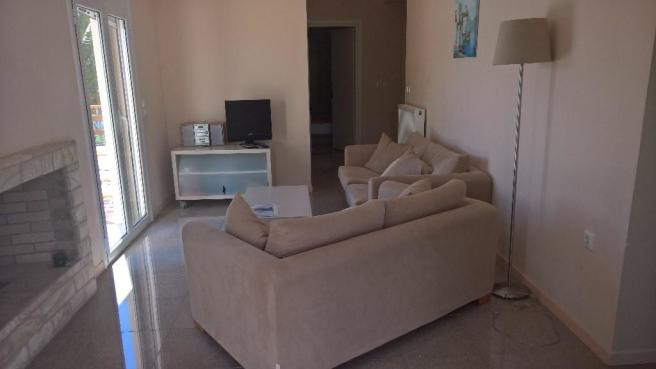 3 bed lounge