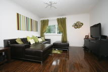 Flat in 186 Dunalastair Drive...