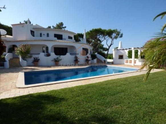 Villa near Quinta