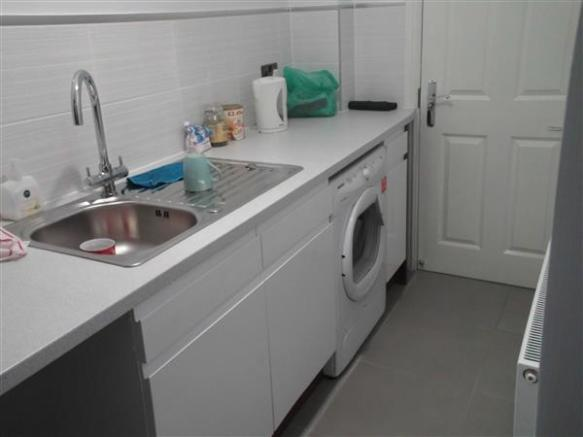 Living / Kitchen /