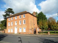 property to rent in Queen Anne House,