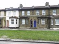 Terraced home to rent in Footscray Road...