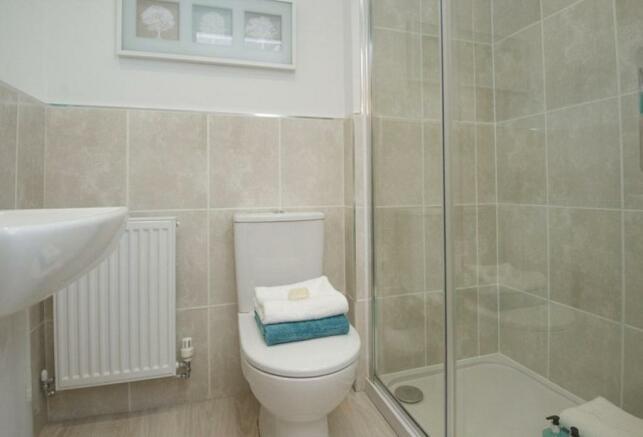 Typical Tetbury en suite to master bedroom