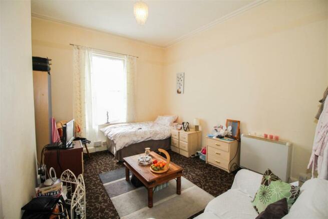 Flat 4 (Bedroom)