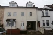 3 bedroom Flat to rent in Kingswood Road...