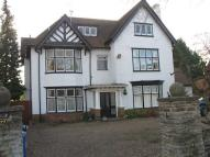 Flat in MAIDENHEAD - BOYN HILL -...