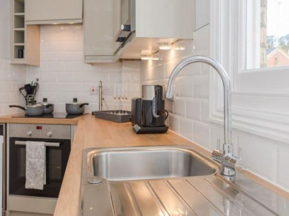 Kitchen with Applian