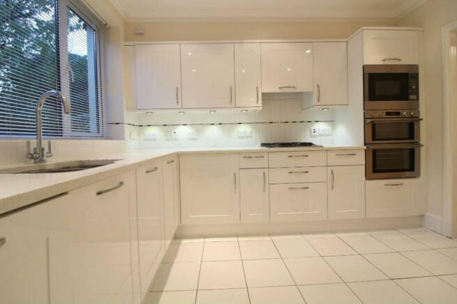 kitchen1belsize.jpg