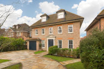 6 bedroom Detached property to rent in Priory Lane, London, SW15