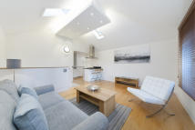 Town House to rent in Kings Road, Chelsea...