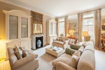 2 bedroom Flat to rent in Lennox Gardens, London...