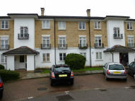 Apartment to rent in Kingswood Drive, Sutton...