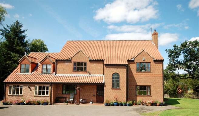 5 bedroom detached house for sale in breezy heights kraig lane keldholme kirkbymoorside york