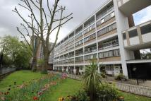 Flat to rent in Atholl House, Maida Vale