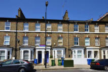 semi detached house to rent in Newbery Road, Erith...