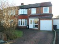 5 bed semi detached property in Hampton Road...