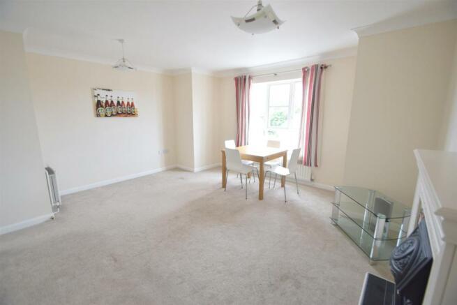 26 Sunningdale lounge.jpg