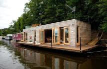 House Boat in Hampton Court, Surrey for sale