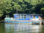 House Boat for sale in CHERTSEY ROAD...