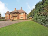 6 bedroom Detached property in Uttoxeter Road...