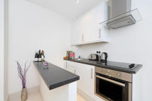 1 bed Apartment in Gloucester Street...
