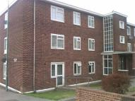 3 bed Flat in Middle Street, Brompton...