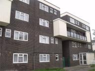 3 bed Maisonette to rent in Shipwrights Avenue...