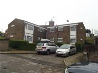 Flat to rent in Russell Court...