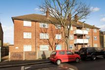2 bedroom Ground Flat in Ravenscar Road, Surbiton