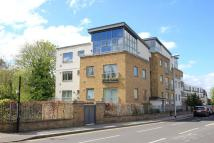 2 bedroom Flat for sale in Lamberts Road, Surbiton