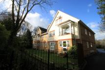 2 bed Ground Flat to rent in Long Ditton