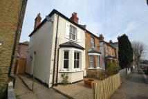 2 bedroom semi detached house to rent in Surbiton