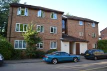 2 bedroom Apartment to rent in Chessington