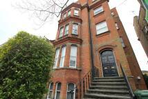 Apartment to rent in Surbiton