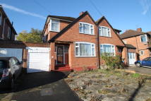 3 bed semi detached house to rent in Surbiton