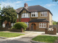5 bed semi detached house to rent in Surbiton
