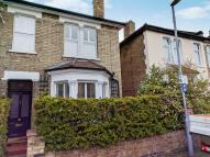 4 bed semi detached house in Arlington Road