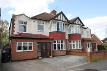 6 bedroom semi detached house to rent in Tolworth