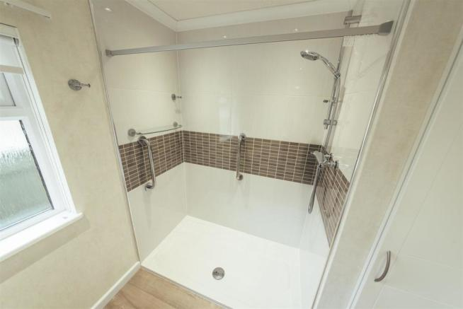 Shower room v2.jpg