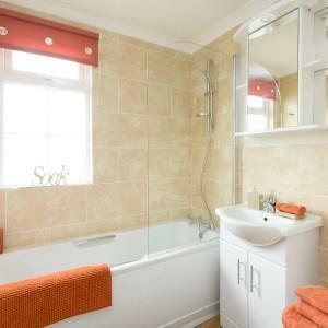08-Reprise-Bathroom-300x300.jpg