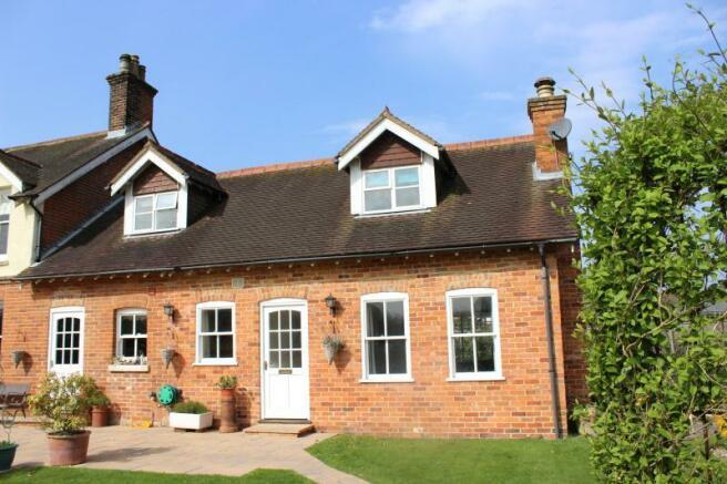 1 Bedroom Cottage To Rent In Cottage Glebe Lane Stockcross Newbury Rg20 8ll Rg20