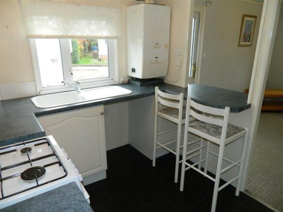 Example Kitchen 2.JP