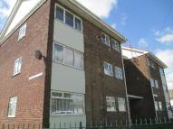 3 bedroom Flat in Gainsborough Avenue...