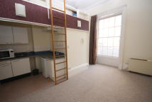 Studio flat to rent in Pittville Lawn...