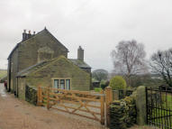 4 bed Detached house in Hoyle Ing House...