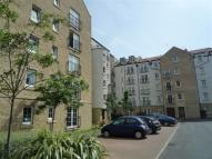 Flat to rent in 8/8 Giles Street