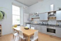 Flat to rent in 25 Haddington Place...