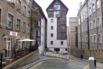 Flat to rent in 11/4 Old Fishmarket...