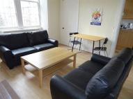5 bed Flat in 22 (1F1) West Preston...