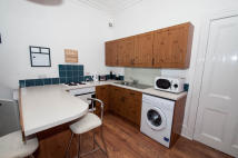 1 bedroom Studio flat in Rosemount Place